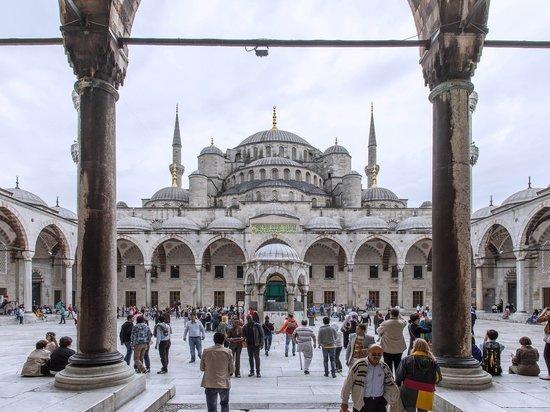 Франция расстроена решением Анкары об изменении статуса собора Святой Софии