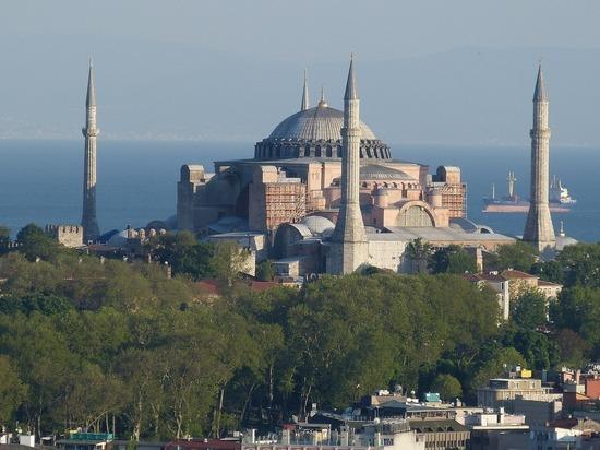 Греческий политик призвал ввести санкции против Турции