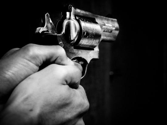 В Петербурге открыли стрельбу в отделении банка