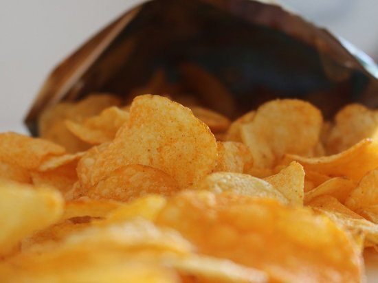Диетолог раскрыла, как часто можно есть чипсы без вреда для здоровья