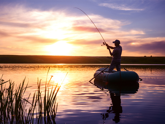 В День рыбака МЧС напомнило о мерах безопасности на рыбалке