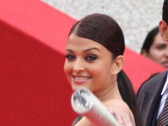 Одна из красивейших актрис мира Айшвария Рай заразилась коронавирусом