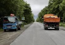 В пригороде Южно-Сахалинска ведутся дорожные работы