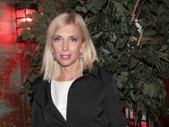 Алена Свиридова возбудила фанатов снимком в бикини