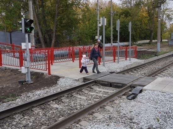 На участке Подволошная – Первоуральск СвЖД начали строить современный пешеходный переход