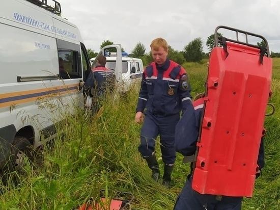 Поисковик из Петербурга подорвался на мине во время раскопок под Лугой