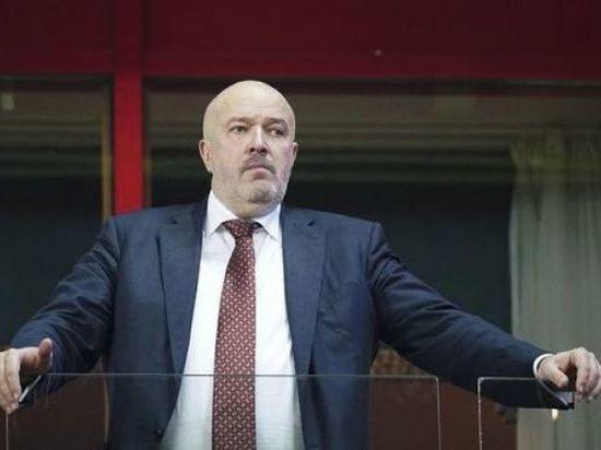 """Разборки в """"Локо"""": гендиректор ругается с фанатами и говорит о Евсееве"""