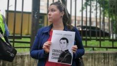 На акции в поддержку Ивана Сафронова задерживали за футболки
