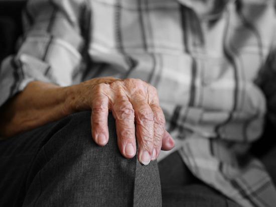 Мошенники выманили у пожилого пенсионера из Абакана около 900 тысяч рублей
