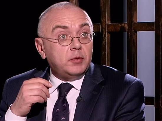 """Журналист обвинил Павла Лобкова в домогательствах: """"Лез целоваться, трогал"""""""