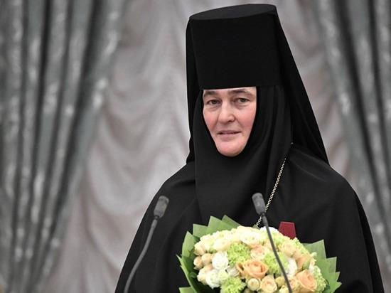 """В ад с комфортом"": Кураев оценил авто монахини за 9,5 млн"