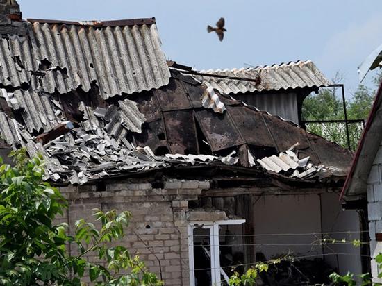Война на Донбассе переходит в горячую фазу: считают убитых и раненых