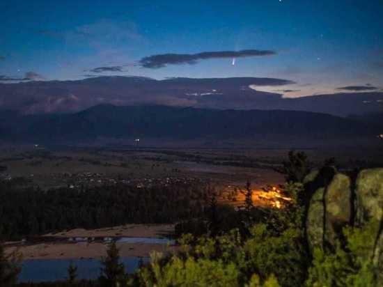 Жители Хакасии могут наблюдать на ночном небе комету