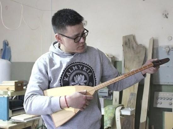 В калмыцком колледже появились новые национальные инструменты