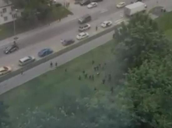 Полиция Москвы устанавливает причины массовой драки рабочих