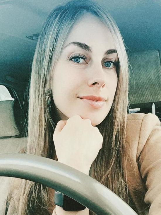 Работа девушке моделью южно сахалинск portfolio киев вакансии