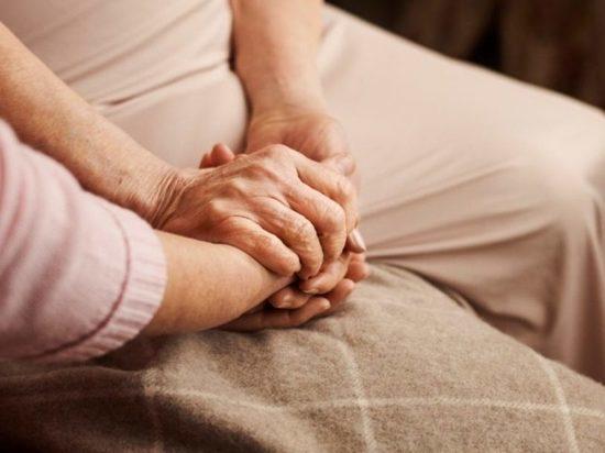 Консультация «МК-Новосибирск»: Как поддержать стареющих родных и защитить себя