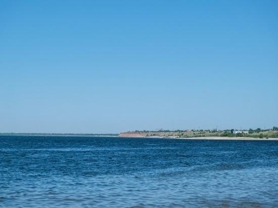 Роспотребнадзор проверил состояние песка и воды на волгоградских пляжах