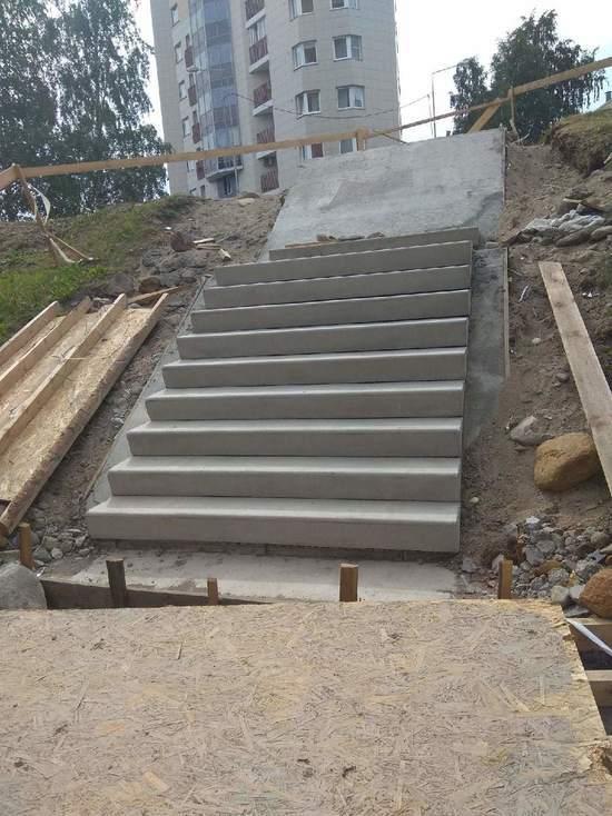 В мэрии Петрозаводска рассказали, почему срок ремонта лестничных спусков откладывается