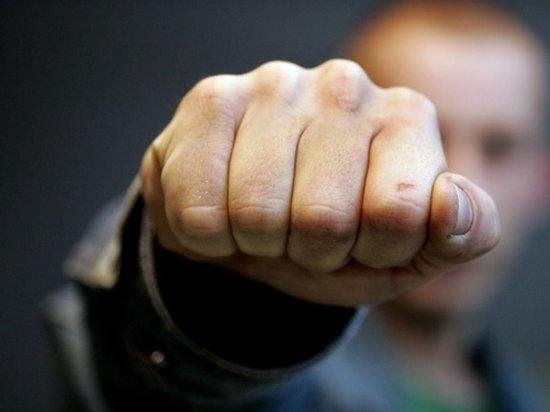 Житель Хакасии одни ударом убил человека из-за шумного поведения