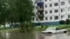 Утонувшие после ливней города в Иркутской области сняли на видео