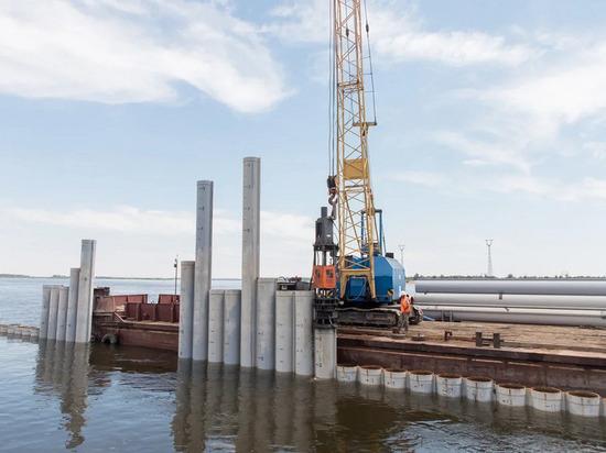 В Волгограде продолжают строить берегоукрепительные сооружения