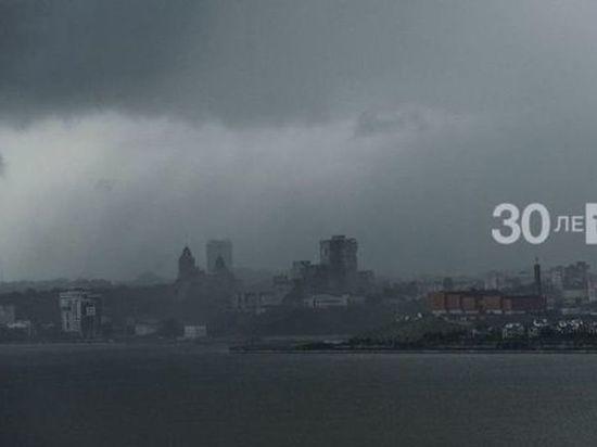 В Татарстане из-за грозы и града объявили штормовое предупреждение