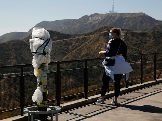 «Люди выгорают от бесконечного ужаса»: Калифорнию накрыла вторая волна коронавируса