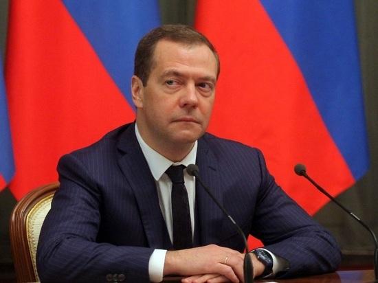 """Медведев обвинил США в """"борзости"""" из-за """"Северного потока-2"""""""