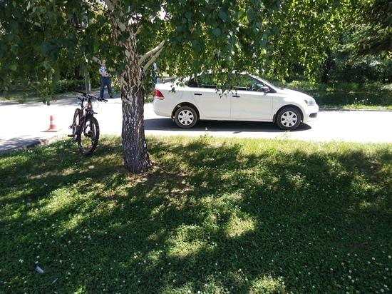 В Хакасии иномарка сбила юную велосипедистку на дороге