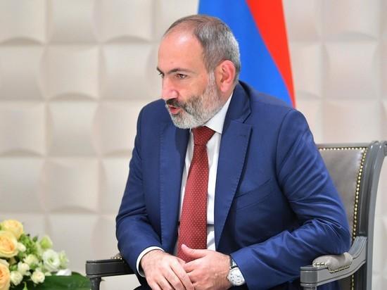 Пашинян заявил Мишустину о подстрекательстве третьей страны к обострению с Баку