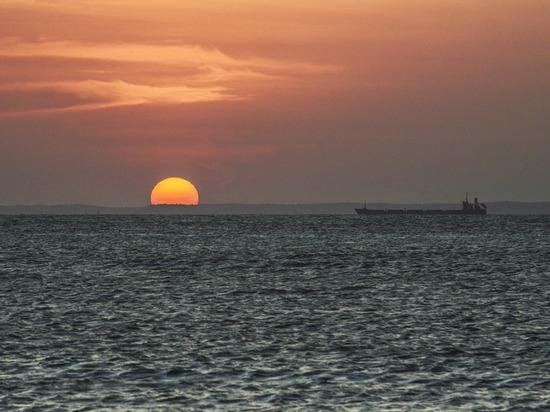 В Гвинейском заливе пираты напали на танкер, где могут быть россияне