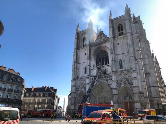 Это не первый пожар в истории памятника архитектуры Нанта
