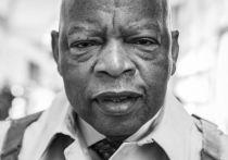 В США скончался один из активистов борьбы за гражданские права Джон Льюис, один из последних соратников Мартина Лютера Кинга