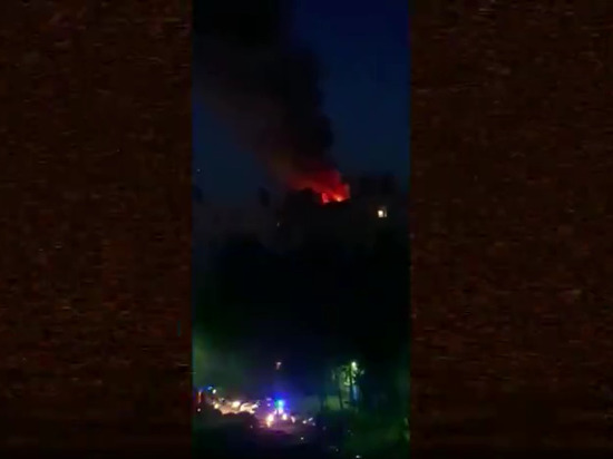 В Петербурге мужчина прыгнул с 9 этажа, спасаясь от пожара