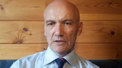 Россияне рекордно обеднели: экономист дал неутешительный прогноз