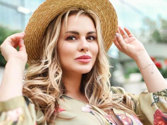 «Мерзкие комменты»: Семенович ответила на призывы похудеть