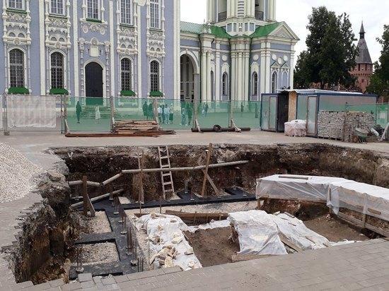 """""""Археологическое окно"""" в Туле никак не """"застеклят"""""""