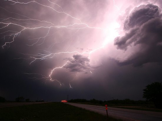 В Гидрометцентре спрогнозировали погодные катаклизмы