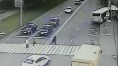 Момент ДТП с автобусом на юго-востоке Москвы попал на видео