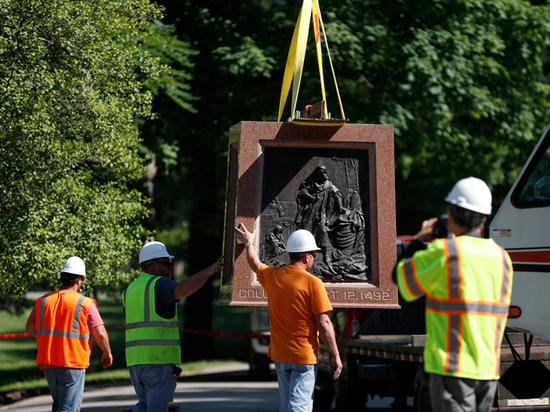 Современные бунтари рушат монументы: история древняя, как мир