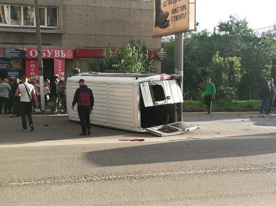 Маршрутка перевернулось в центре Читы, есть пострадавшие