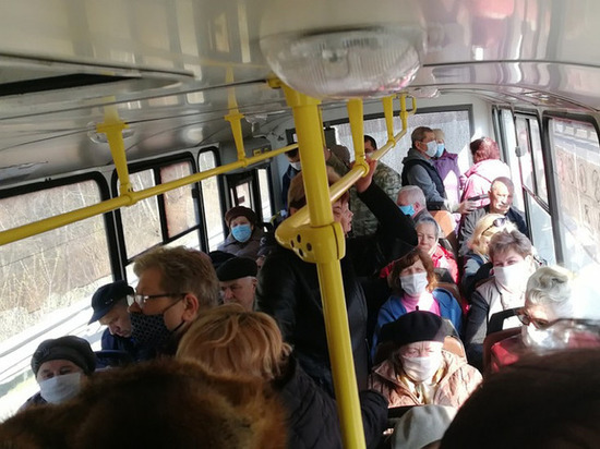 Общественный транспорт против COVID
