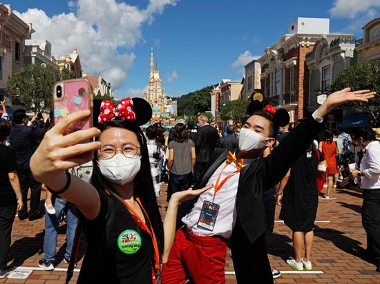 Из-за резкой вспышки коронавируса в Гонконге задумались о комендантском часе