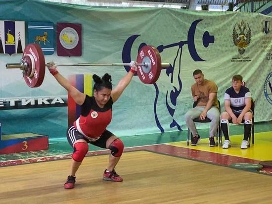 На Сахалине состоялся областной чемпионат по тяжелой атлетике