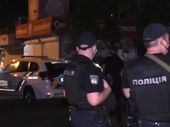 В Киеве неизвестные взорвали банкомат и похитили деньги