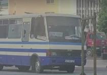 В Луцке, где захватили заложников, прогремели взрывы