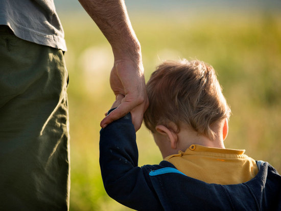 В Абакане незнакомцы смогли увести из Преображенского парка семь детей