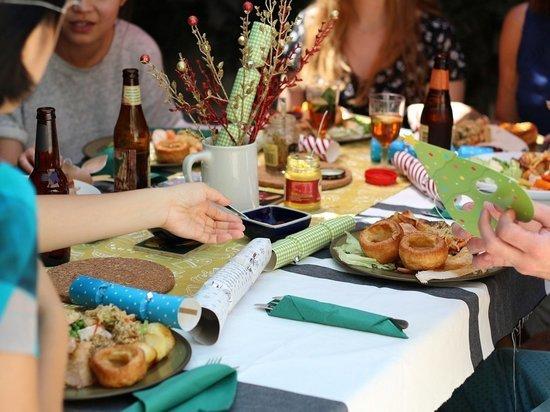 Германия: Берлин ввел послабления для посещения ресторанов. Сауны и бордели остаются под замком