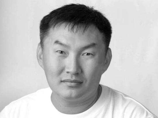 «Hello, my friend! Help me!»: Блогер Баиров  из Улан-Удэ просил помощи у Стивена Сигала